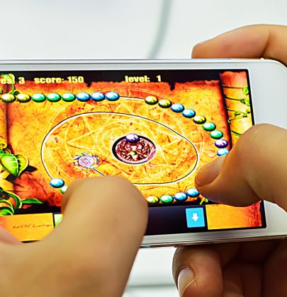 Mobile game applications provide instant updates!